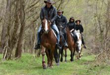 Покана за езда и риболов по Великден в конна база Върбака в Рибарица